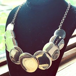 Jewelry - Modern Silver Tone Disc Choker Necklace!